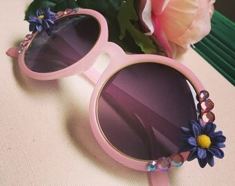 Round sunglasses with sunflowers and crystals