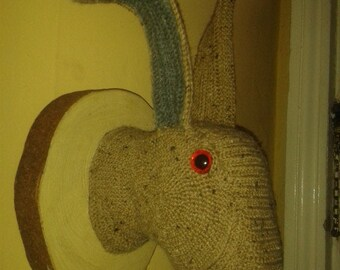 TAXIDERMY STYLE HARE pdf crochet pattern