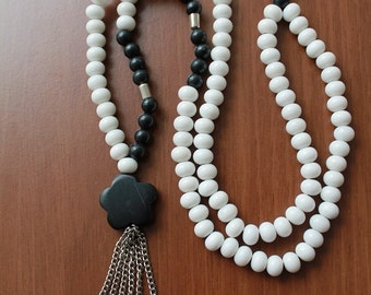 Necklace,Black and White,Necklaces,Beads