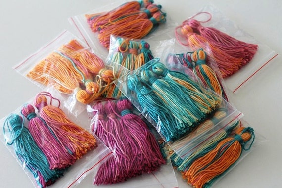 Wholesale tassel 10 pcs cottontassels morocco style batik for Arts and crafts supplies wholesale