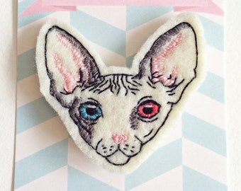 Brooch portrait of your pet