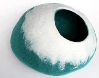 Cat cave / cat bed / felted cat cave / cat nap cocoon blue and white - MADE TO ORDER
