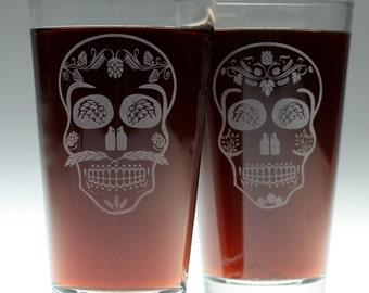 Wedding gfit of Beer Sugar Skull Couple Set of Etched Glasses (set of 2),wedding gift,couple gift,bride to groom,newlywed,housewarming gift