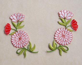 White with red flowers applique set of 2