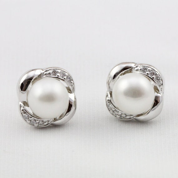 items similar to bridal pearl earrings 9mm ivory white