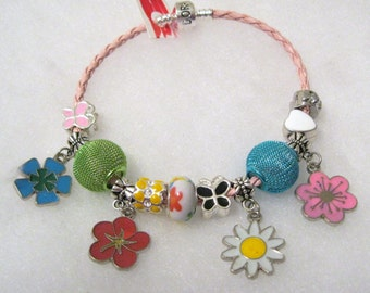 333 - CLEARANCE - Floral Whimsy Beaded Bracelet