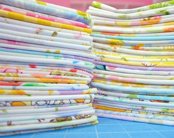 Set of 60. Vintage Sheet Fat Quarters. Vintage Fabric Bundle. No Repeats. Retro Vintage Florals.  Stash Builder.