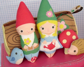 Travel Gnomes & Friends WITH Log Bag