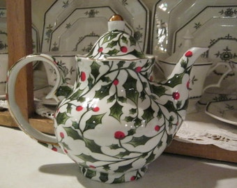 Holiday China Six Cup Teapot
