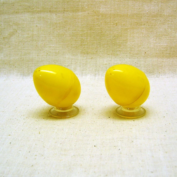 Egg shaped yellow plastic salt and pepper by tommyskitchenstuff - Egg shaped salt and pepper shakers ...