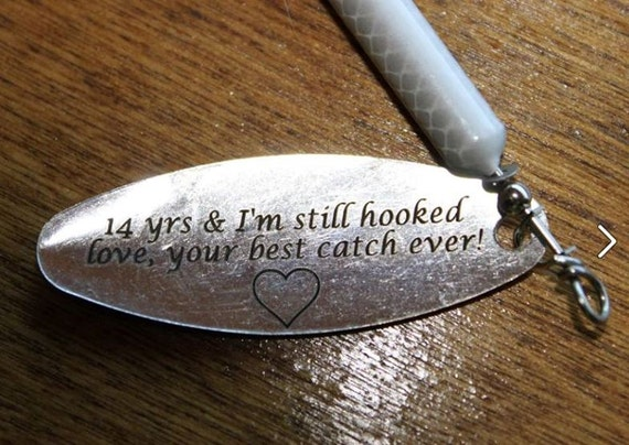 Anniversary gifts for men personalized fishing lure 1 2 ounce for Unique fishing gifts
