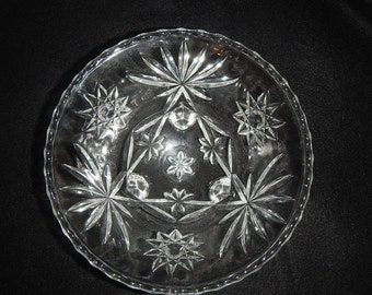 Vintage Anchor Hocking Early American Prescut  Star of David Footed Serving Bowl