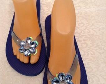 Women's Medium  Blue  Flip Flops Size 7-8
