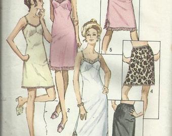 Vintage Sewing Pattern. Simplicity 9115