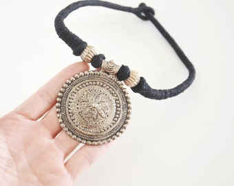 Vintage metal necklace / statment necklace / tribal necklace
