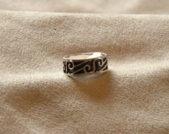 Sterling Silver Oxidized Band with Pattern - Size 7 1/2
