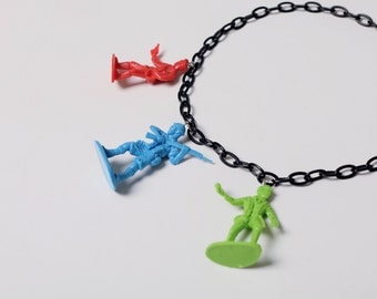 OOO - upcycled retro green toy soldier / army men necklace