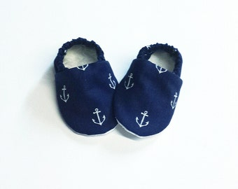 Handmade Soft Sole Baby Moccs / Moccasins / Booties / Crib Shoes / Slippers Navy Blue and White Anchors