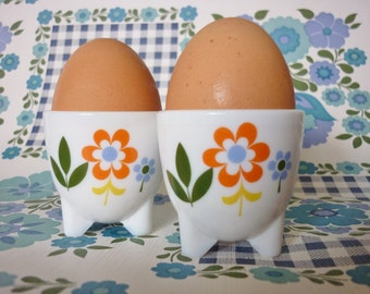 Two Arcopal Retro Egg Cups
