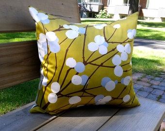 Decorative throw pillow cover made from Marimekko fabric Lumimarja, couch cushion cover, pillow sham, Scandinavian design