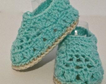 Crochet Aqua Baby Sorrento booties/crochet baby shoes. Fits 6 - 12 months