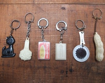 Lot of 6 Vintage advertising keychains / Made in France