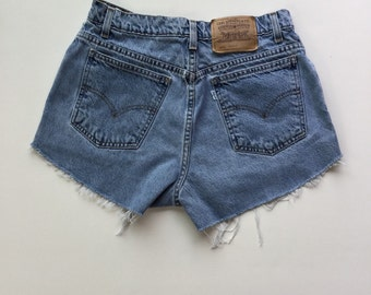 High Waisted Levi sz 10 Shorts Vintage Cut-off