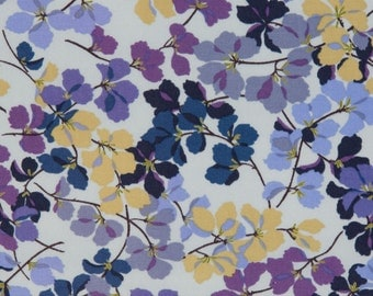 Jennifer Sampou OOP Fabric for Robert Kaufman  -  Nature Collection Leaves  -  Leaf Print AJS-5732-80 in Evening  -  One Yard