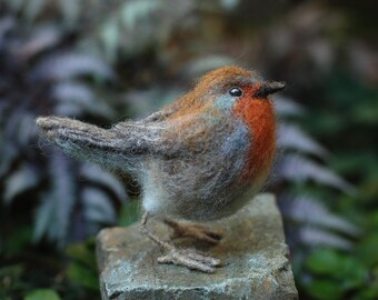 Needle Felted Bird-Robin Sculpture, Red Robin, Wild Bird, Backyard Bird,Songbird, Collectible, Nature Decor