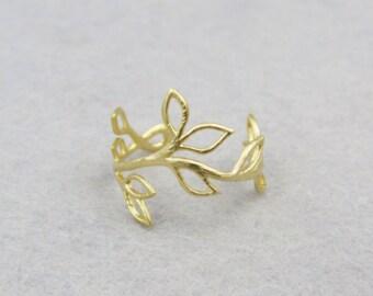 leaf adjustable ring. gold leaf ring.bridesmaid.Leaf Branch ring