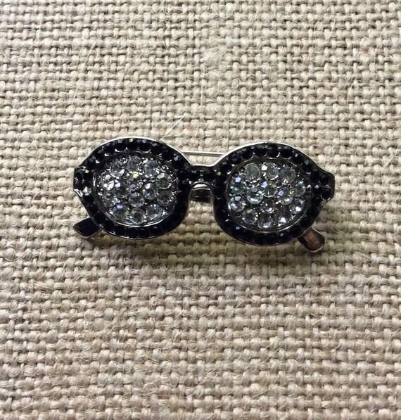 Miniature Sunglasses Pins: Retro Unisex Mini Rhinestone Sunglass Pin