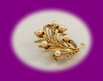 Vintage Pearl Brooch Lisner Gold Tone Spray Pearl Brooch Pearl Brooch Gold Brooch