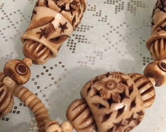 Vintage Etruscan Hand Carved Bone Necklace, 1970's  Bohemian, Tribal, Bali Necklace, Excellent condition, NJ Estate.