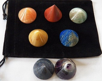 Round PYRAMID CRYSTAL Set with Pouch, 7 Chakra Balancing Stones, Reiki Energy Healing