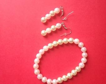 Classy Pearlescent Bead Bracelet set