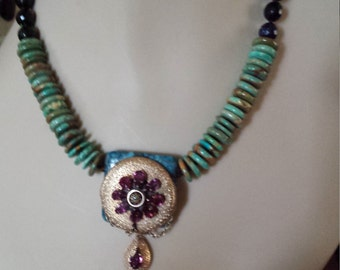 Turquoise flat bead necklace with vintage pendant
