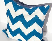 CLEARANCE: Chevron Pillow Cover / Blue and White Chevron Pattern with Invisible Zipper
