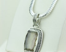 FACETED SUNSTONE Vintage Setting 925 S0LID Sterling Silver Pendant + 4mm Snake Chain & Free Worldwide Express Shipping p1412