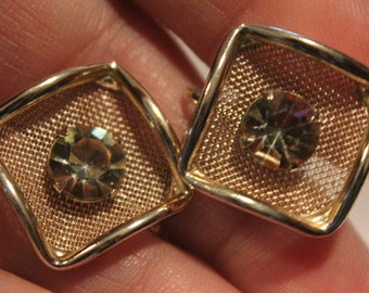 Vintage Screw Back Earrings-Square Mesh in Gold-Gold Rhinestone Center