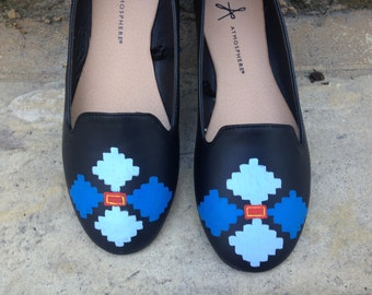 READY TO SHIP. Ethnic motif hand painted ballet flats. Traditional Romanian blue design. Black faux leather women slip ons. Elegant summer