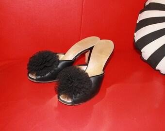 Vintage 1950s Black Pom Pom Heels Satin Formal Womens Shoes Sandal Pumps Open Toe Flower Size 7 US