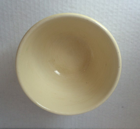 Hull Bowl In Cinderella Bouquet Pattern