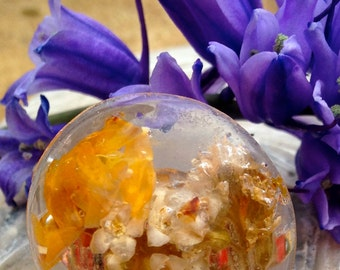 Resin dome ring - Yellow Flowers