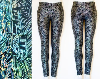 Shiny Geometric Holographic Pattern Leggings