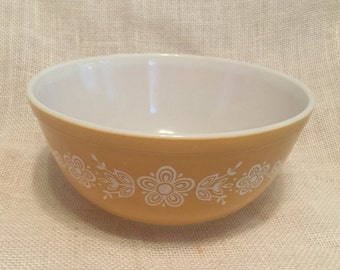 SALE!  Was 16.99  Vintage Pyrex Mixing Bowl Butterfly Gold Cinderella 8 1/2 Inch