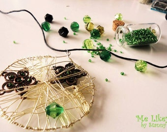 Flower web necklace