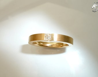 Gold ring, diamond ring, princess cut, diamond,