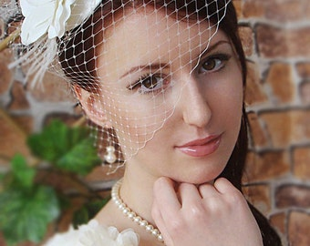 Bridal Mini Hat - Ivory Hat -Fascinator - Bridal fascinator - Wedding hat - Wedding birdcage veil - Vintage birdcage veil - Fascinator ivory