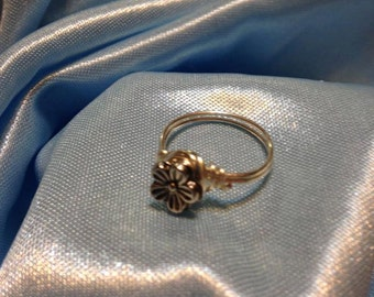 Metallic Flower Wire-Wrapped Ring ** Spring ** Summer **