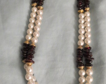Pearl necklace w/ black and gold beading